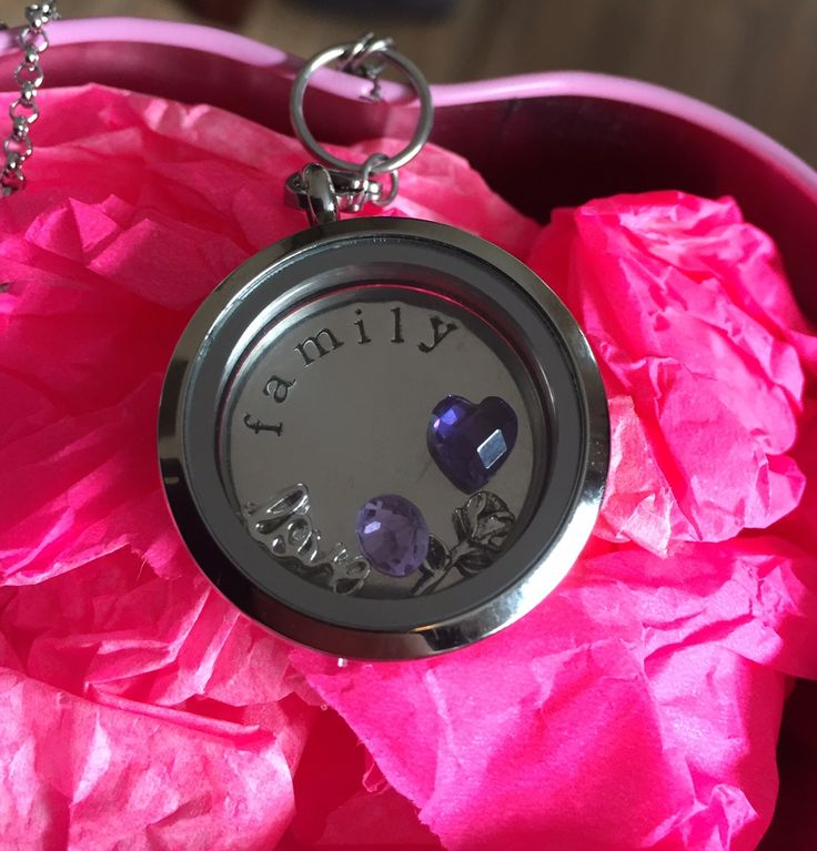 The Lock-It locket winner! - Pregnant in Cape Town & ever after...
