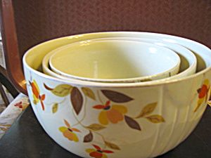 Vintage Hall Autumn Leaf Stacking Mixing Bowl Set. Click the image for more information.