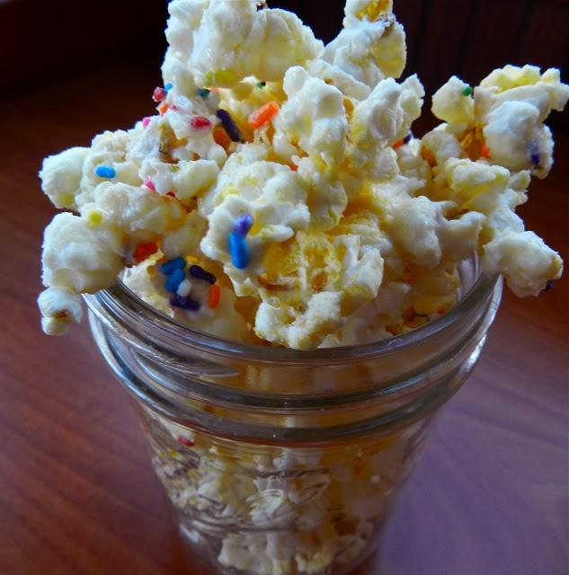 i talk to food: birthday cake popcorn