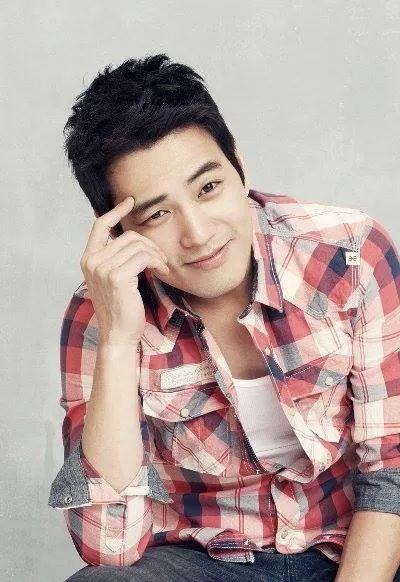 Joo Sang Wook / 주상욱 (July 18, 1978), South Korean model and actor.