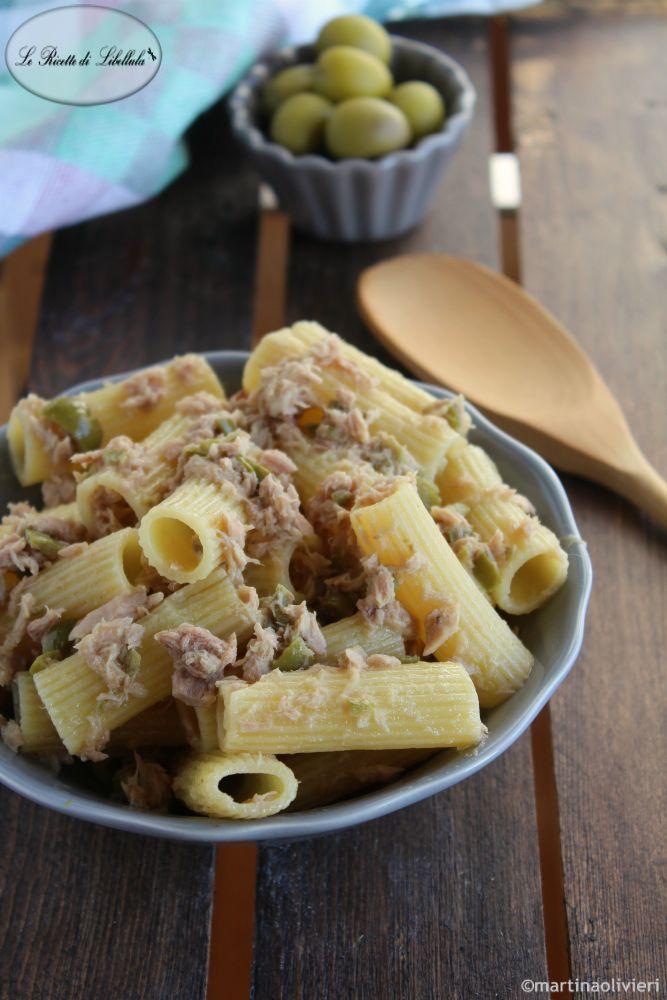 Pasta con tonno e olive