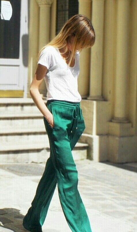 tee + green drawstring pants.