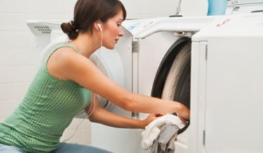 Six Ways to Turn Housework Into a Mini-Workout | The Healthy Moms Magazine