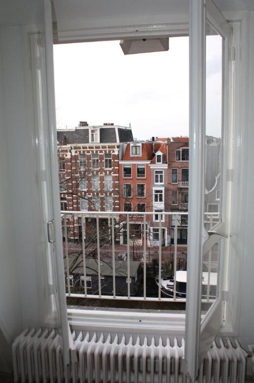 Beautiful view of the canals in Amsterdam. (Prinsengracht 1015 DS Amsterdam   Expat Housing)