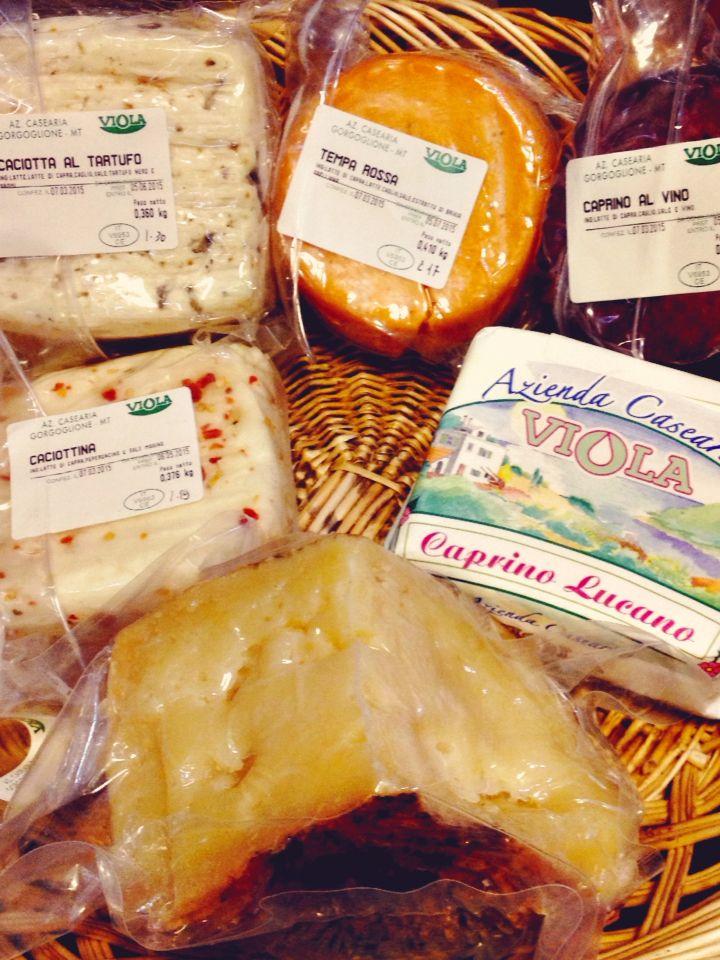 #offertissima #sconto del 10% sull'acquisto.  Italian cheeses!!! Discount 10% off!! #discoversudrise #aziendaviola #canestratodimoliterno #igp @_basilicata_ #formaggi #cheese #cheesebasquet #italiancheese #cacciota #tartufo #cacciotina #vino #winecheese @vinitalyclub @atavolaconcarletto #redwine #vinorosso #temparossa @usoue.farinaecompanatico @lucania_damare #basilicata @expo2015milano @sud_italia #iomangiolucano #versosud #lookania #vivoitalia #fotobriganti @soniaperonaci #montagna…