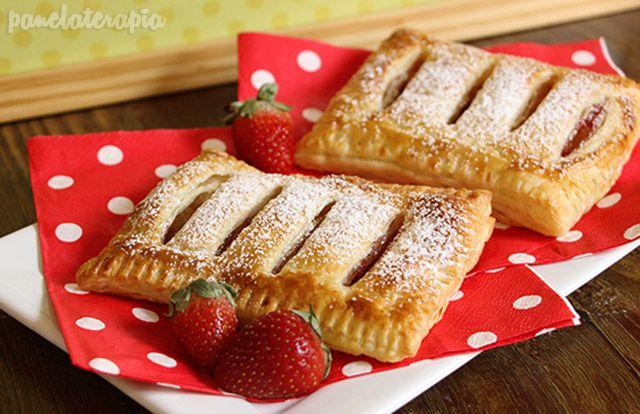 A Tastemade Brasil pediu para os parceiros fazerem uma receita para um café da manhã natalino. Fiz uma tortinha usando massa folhada pronta e geleia de morango, mais fácil impossível! Na verdade o …
