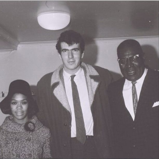 Roger Eagle ( who ran the twisted wheel , then Eric's ) with Sugar Pie DeSanto and Howlin wolf