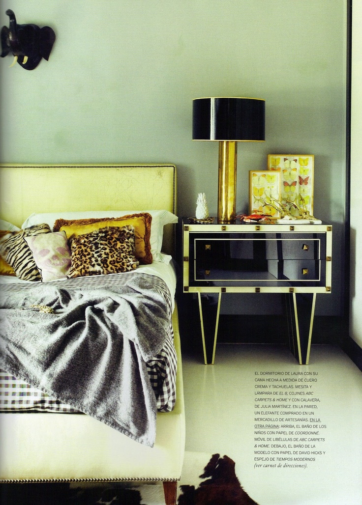 Laura Ponte´s bedroom  Love the side tables retro style!