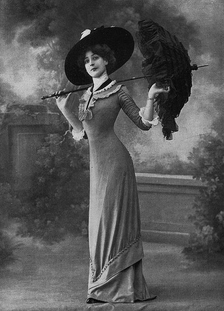 Les Modes (Paris) 1910 Robe d'apres-midi par Redfern