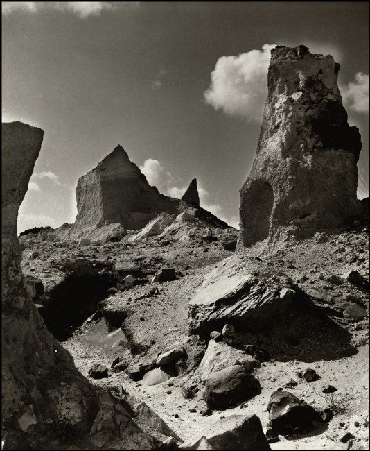 Herbert List  GREECE. Cyclades. Santorini. Pouzzolane quarry. 1937. http://pro.magnumphotos.com/