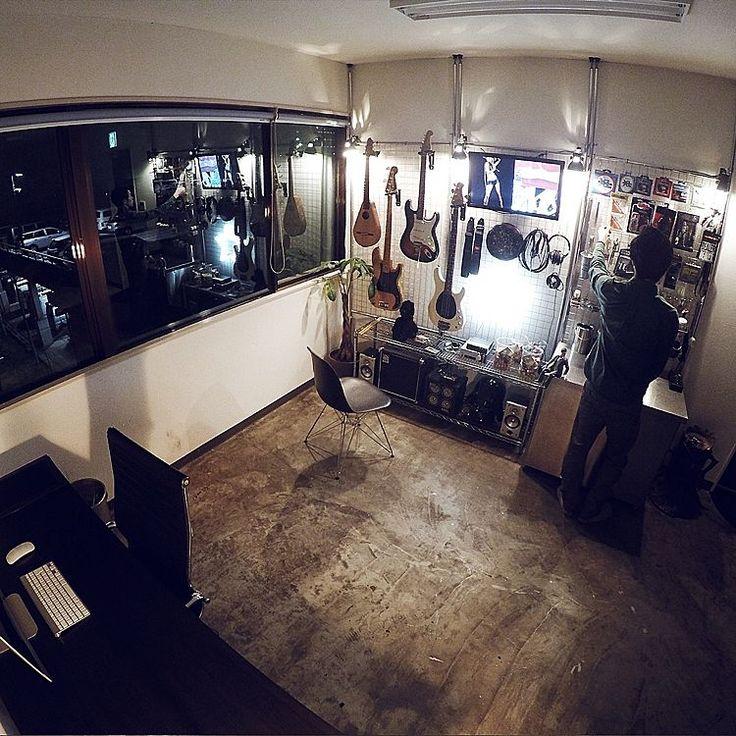 ワイヤーシェルフ/男の趣味部屋/ギター/倉庫/ガレージ/照明…などのインテリア実例 - 2016-02-18 22:01:38 | RoomClip(ルームクリップ)