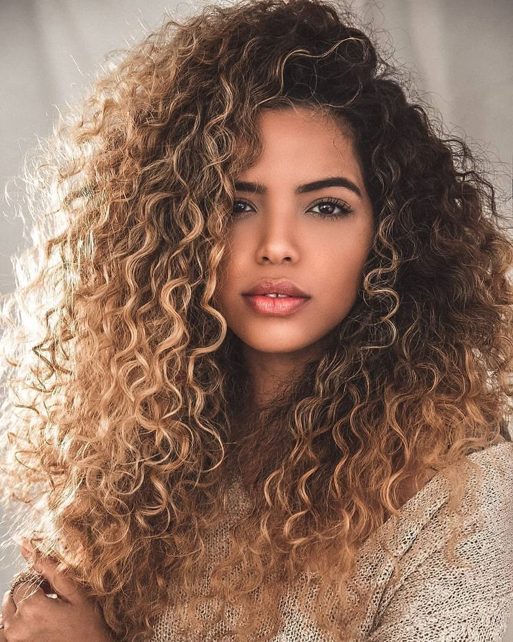 40 Wavy Long Hairstyles For Summer Parties | Curly hair ...