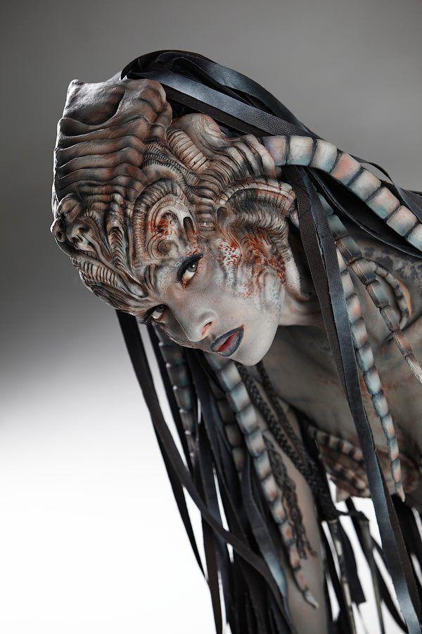 Make-up : Vincent de Monfreid  Hair & style :Alban Jarossay