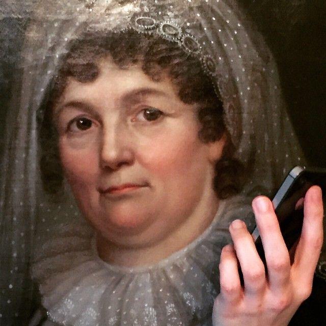 Ob Susanna Magdalena von Bärenfels heute Nacht über die #mnbasel getwittert hätte? Ölmalerei auf Leinwand von 1811 #museumofselfies @museumofselfies @baselbuzz