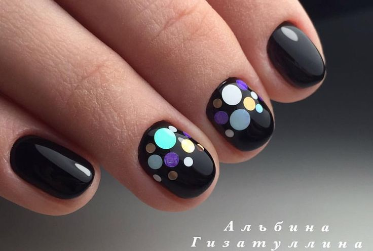 Evening short nails, Fall short nails, Festive nails, Ideas for short nails, Nails with stickers, Round nails, Short black nails, Short nails 2017