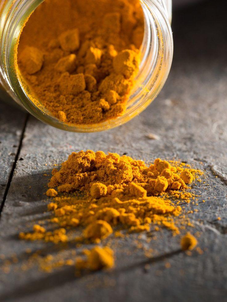 Die Inder schwören auf die Wirkung von Kurkuma, der den gelben Farbstoff Curcumin enthält. Dieser sollkrebs- und entzündungshemmend sein.