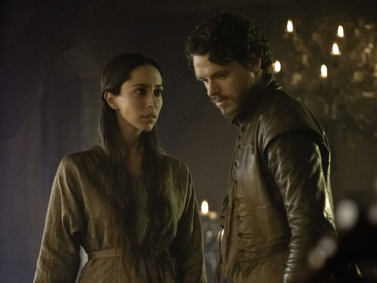 game of thrones PHOTOS   ... game of thrones episode viewers go ballistic over sunday s unreal game