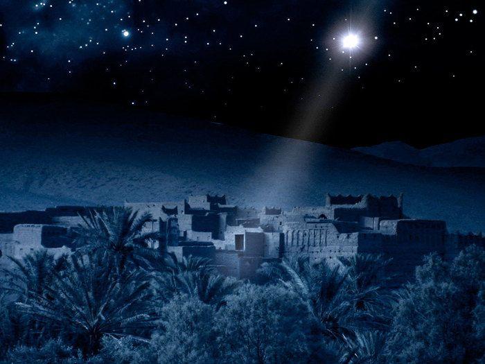 Free Bible images: Angels announce the birth of Jesus to shepherds outside Bethlehem (Luke 1:1-7)