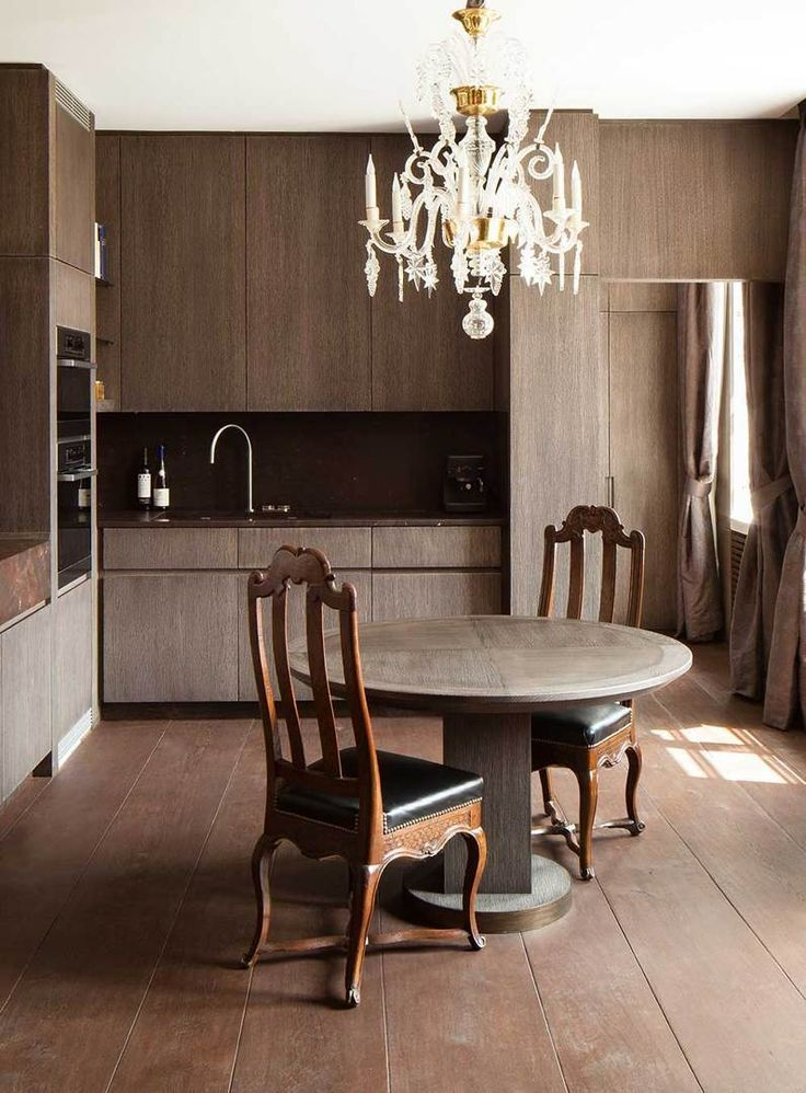 Obumex is the reference for the design of your bespoke or country kitchens, with or without cooking island. Have a look at some of our kitchen projects.