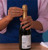 How to open a bottle of Champagne or SparklingWine