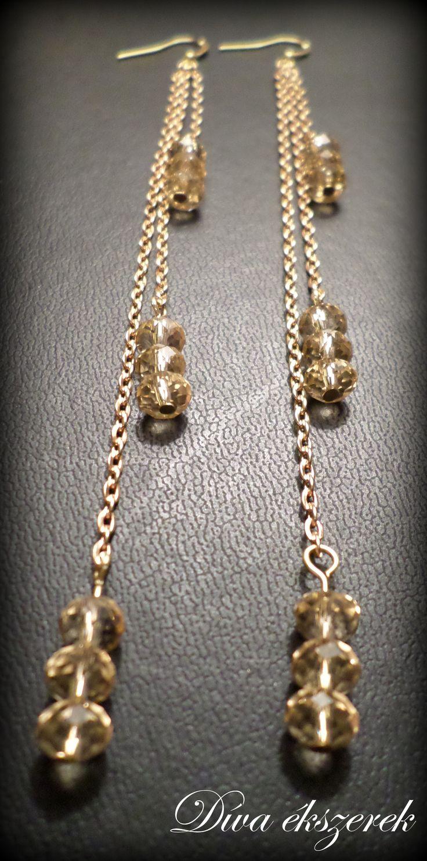 Arany és bézs színű hosszú, lógós fülbevaló. Gold and beige long earrings. https://www.facebook.com/divaekszerek
