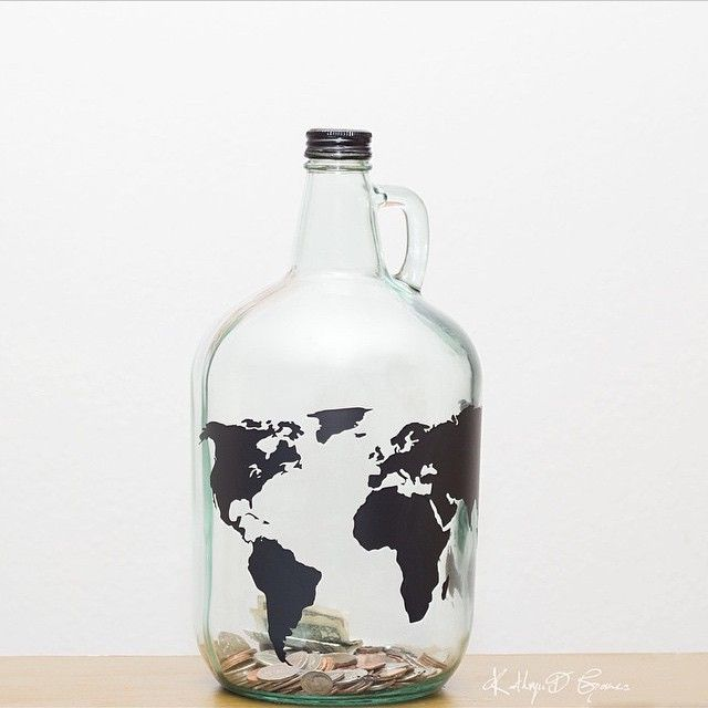 We love this travel fund jar @kathryndgomez created with her Silhouette.  #silhouettecameo #silhouetterocks