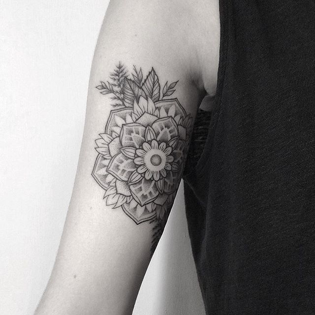 Mandala tattoo made by Rachainsworth @ Sticks & Stones, Berlin.  rachainsworthtattoo@gmail.com   #berlin #rachainsworth #black #blackandwhite #noir #tattoo #blackwork #fineline #line #fashion #design #illustration #graphicdesign #dotwork #geometry #sacredgeometry #minimal #simple #delicate #pattern #ornate #feminine #mandala