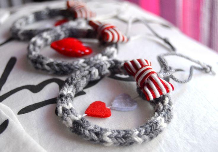 Weihnachtsornamente aus Stricklieselschnüren - Geschenkanhänger - Weihnachtsdekoration - Weihnachtsornamente - Weihnachten - Dekoration - Strickliesel