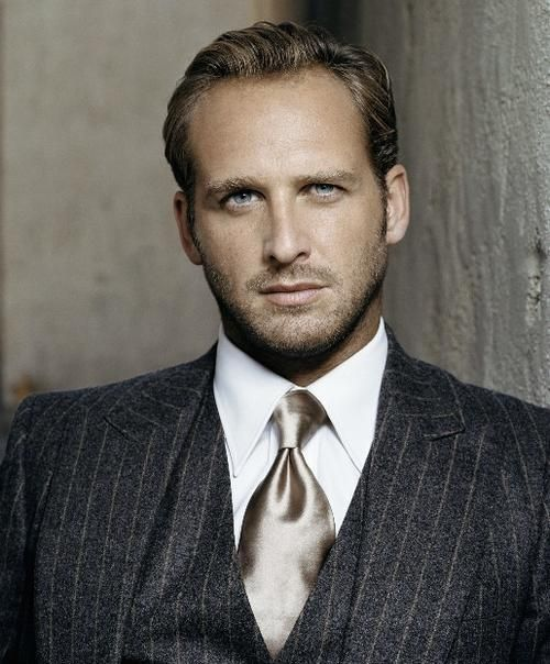Josh Lucas....quietly & simply gorgeous!
