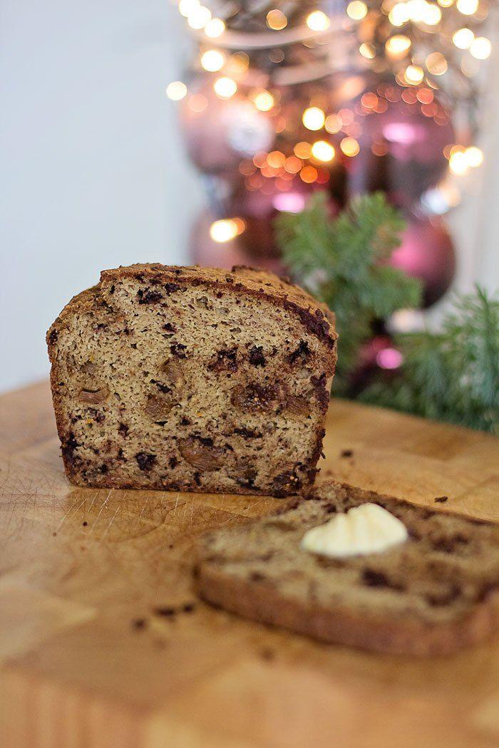 Ik wou graag een luxe broodje bakken voor kerstochtend. Met gedroogde vruchten, chocoladestukjes, zoetig entòch voedzaam. Ik denk dat hetgelukt is met dit broodje. :) Het kostte me 3 pogingen om …