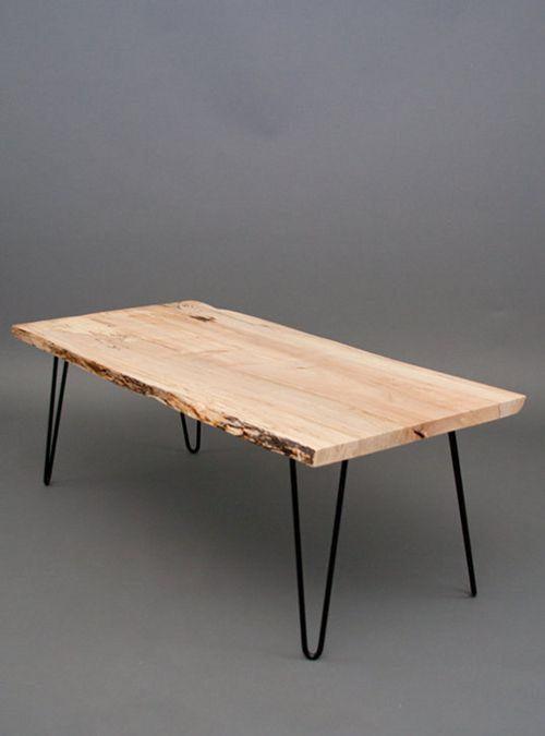 Semplice e funzionale il tavolo in legno di castagno con for Semplice creatore di piano gratuito