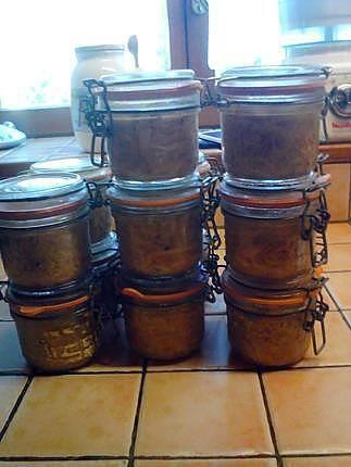 La meilleure recette de Rilletttes de poulet à l'estragon! L'essayer, c'est l'adopter! 4.9/5 (7 votes), 15 Commentaires. Ingrédients: 3 kg de cuisses de poulet entières, 6 beaux oignons, 4 échalotes longues, 30gr de sel, 10 gr de poivre, 2 cube de pot au feu, thym, estragon.