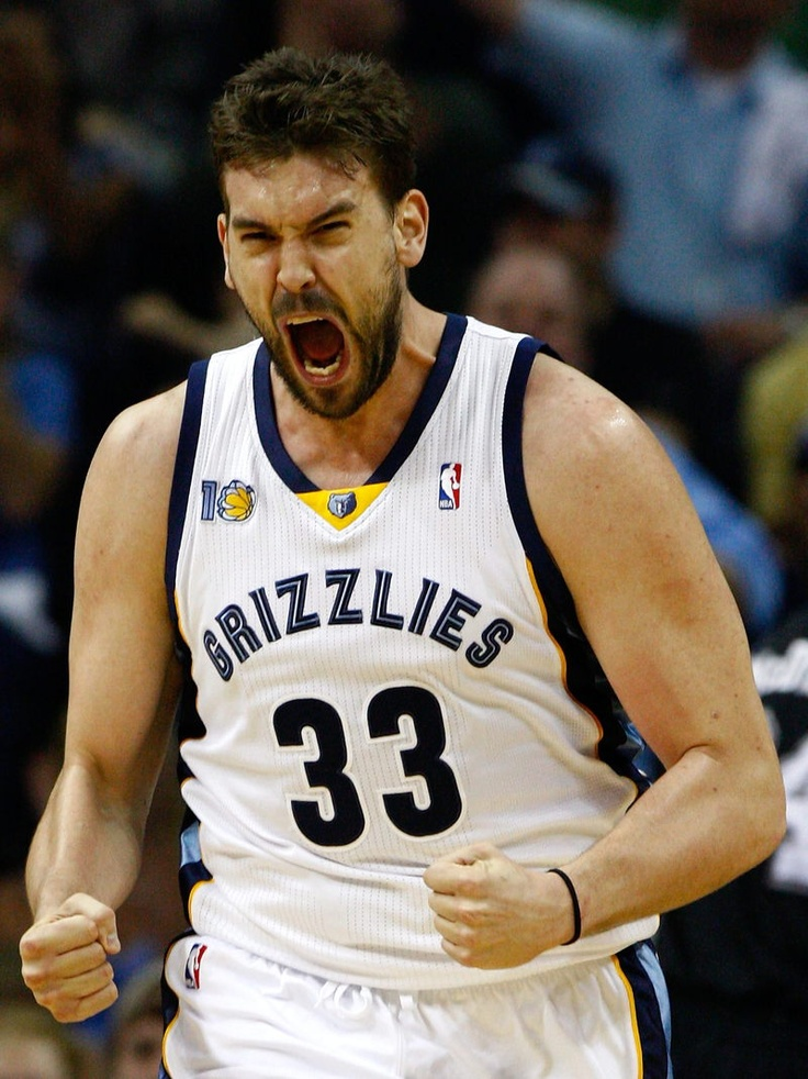 Marc Gasol (Barcelona, 1985). Professional basketball player who plays for the Memphis Grizzlies. He's also the younger brother of Pau Gasol.