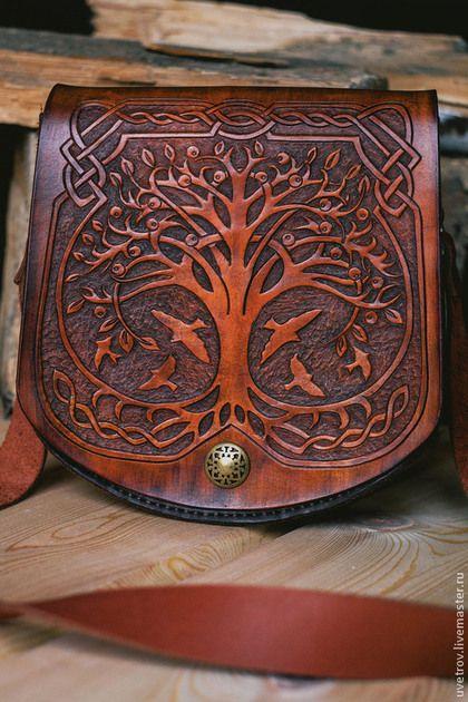 Купить или заказать Сумка кожаная 'кельтское дерево' в интернет-магазине на Ярмарке Мастеров. Сумка кожаная. Выполнена в кельтском стиле. Цвет сандал. Резьба по коже. Сшито вручную. Возможны другие размеры и комплектации.