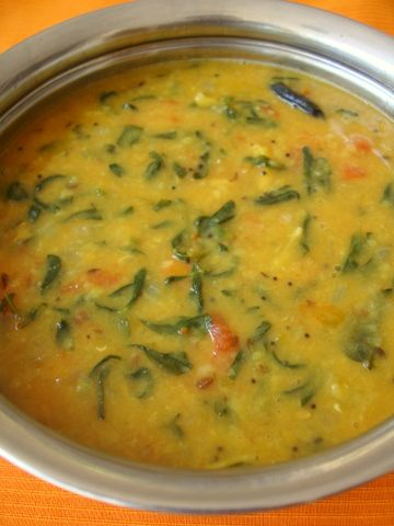 Menthu kura Pappu is a very nutritious Andhra dal dish that calls for the use of tur dal and fresh methi leaves.