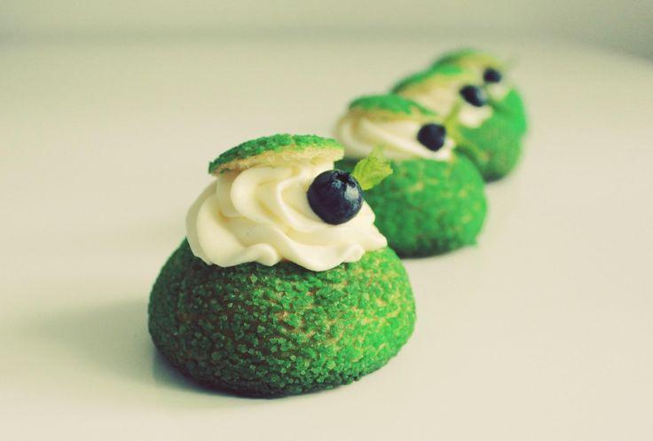 Современные десерты: французские пирожные Шу с тестом craqueline - Andy Chef - блог о еде и путешествиях, пошаговые рецепты, интернет-магазин для кондитеров