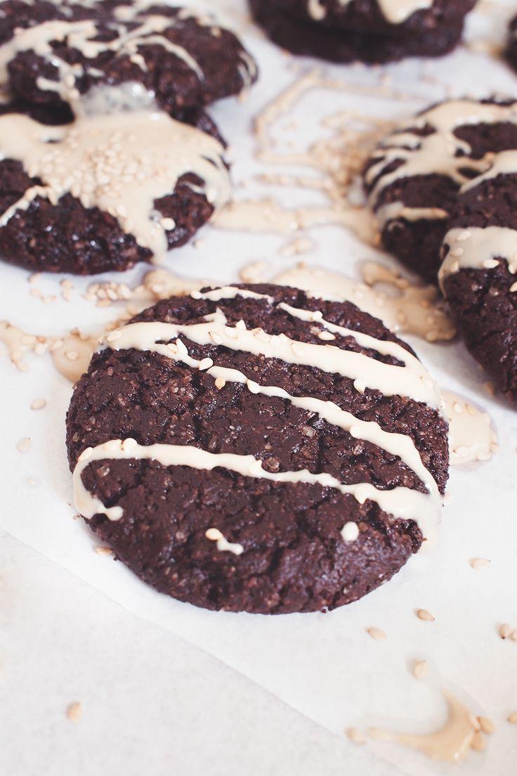 Chocolate tahini cookies / vegan / gluten-free