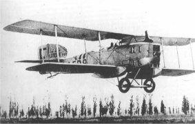 Bréguet 14 - Ce rustique mais robuste monomoteur biplan, aux qualités certaines s'était déjà illustré  lors de la Grande Guerre. Pierre-George Latécoère n'eut qu'à puiser dans les vastes surplus militaires (190 avions)