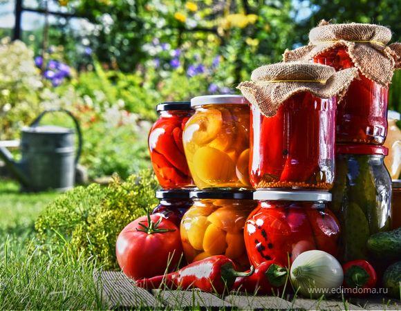 Варенье из смородины, салат из кабачков на зиму, икра из баклажанов, засолка помидор, консервировать опята и джем из ежевики
