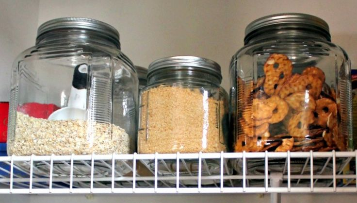 7 Steps to a Pantry Makeover - I need to do this in my pantry!