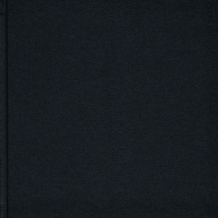 Momento Pro Classic 'Black' hardcover.    http://www.momentopro.com.au/pages/photobook_covers