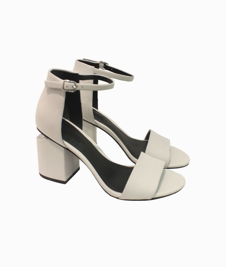 Abby milk sandals by Alexander Wang #arropame #conceptstore #bilbao #ss2016 #AlexanderWang #fashion #shoponline #shopping #trendy #style #sandals http://arropame.com/coleccion-completa-alexander-wang-ss16/