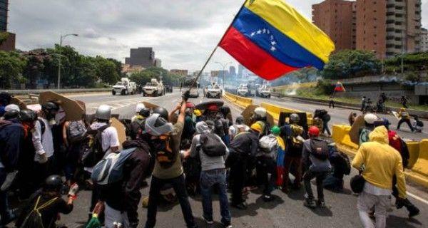 ¡CUENTA REGRESIVA! International Crisis Group: Maduro podría buscar evitar las elecciones en Venezuela