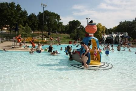 Terrace park family pool aquatic center offers shallow - Terrace park swimming pool sioux falls ...