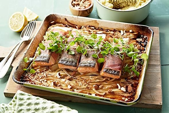 Zalm in de oven met venkel en gedroogde ham