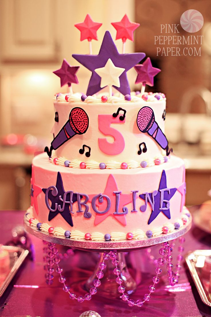 Pop star fruit - Barbi Popstar Cake When It Was Time To Head Home Everyone Left With One