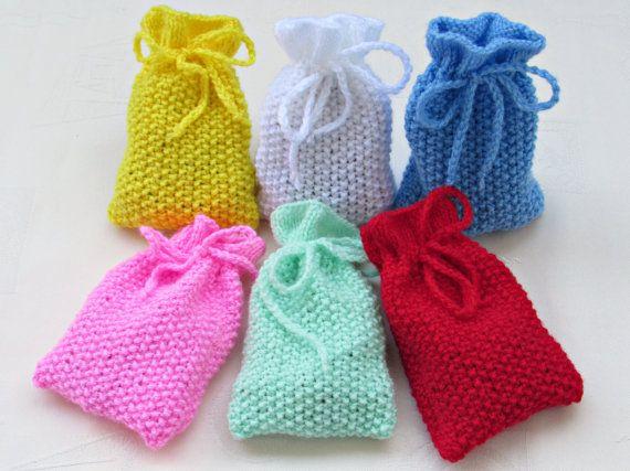 Mooie geschenk zakken in mooie kleuren. Kies uw kleur. wit, roze, blauw, geel, rood, lichtgroen (pistache), lente groen, groenblauw, room, Oranje, donker roze (magenta), Parel grijs, medium grijs, olijf.