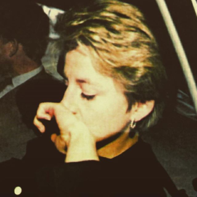 """""""30 March 1992: Deeply sad, Princess Diana arrives to London's Heathrow after cutting her annual ski holiday with the children in Lech, Austria, following the news of her father's death. Earl Spencer died of a heart attack at Humana Wellington Hospital in London on 29 March, at the age of 68 ■"""