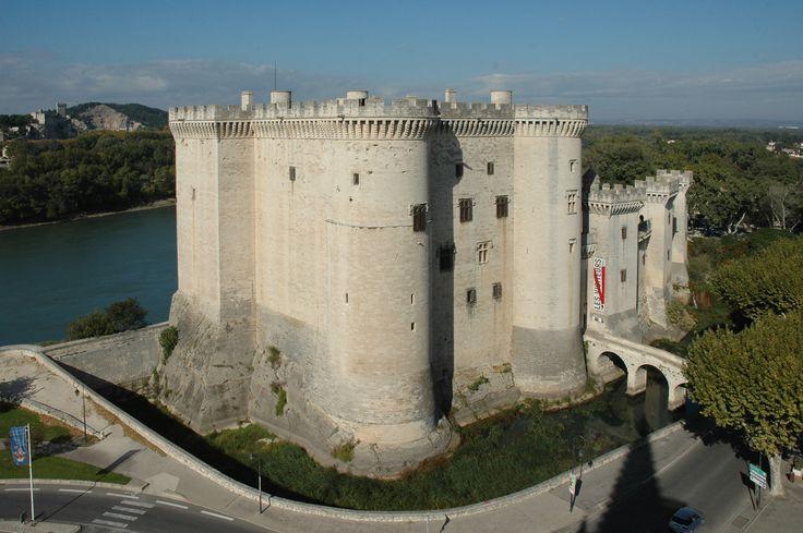 Château de Tarascon.  Tarascon 13150. Provence. Construit entre 1400 et 1435, sur le modèle architectural de la Bastille, par les ducs d'Anjou,