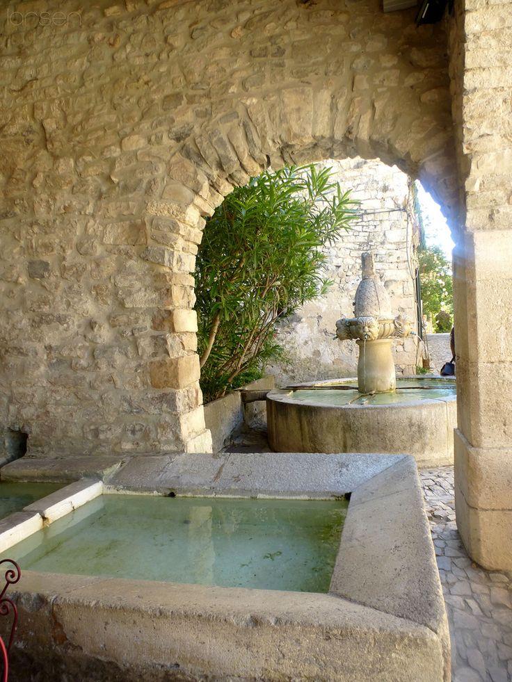 Fontaine des Mascarons - Séguret, Provence-Alpes-Côte d'Azur, Southeastern France